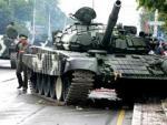 В Минске танк снес столб во время репетиции парада