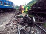 В Хмельницкой области пассажирский поезд протаранил грузовой состав