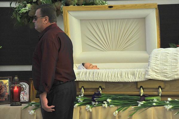 фриске фото похороны