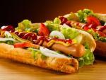 Ученые выяснили, сколько хот-догов может съесть человек за 10 минут