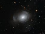 Астрономы показали уникальное слияние двух галактик