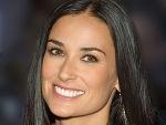Голливудская актриса вышла в свет в вышиванке