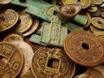Китайские крестьяне копали целебные коренья и выкопали 400-килограммовый клад